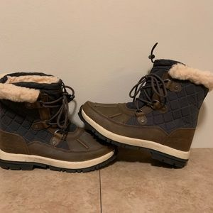 BearPaw winter boot size 8